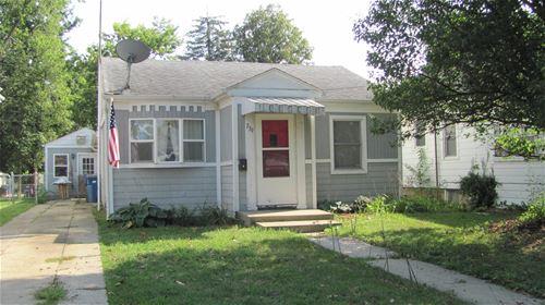 739 E Benton, Morris, IL 60450