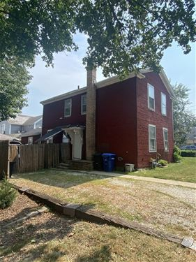 218 Indiana, St. Charles, IL 60174