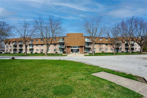 3240 N Manor Unit 330, Lansing, IL 60438