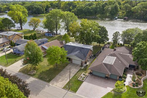 4822 River Bluff, Loves Park, IL 61111