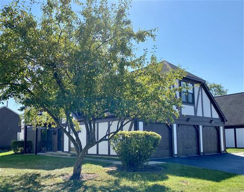 7425 Canterbury, Downers Grove, IL 60516