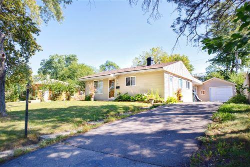 49 Wren, Carpentersville, IL 60110