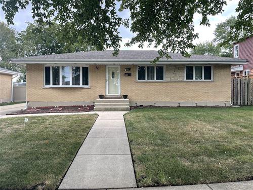 741 W St Aubin, Addison, IL 60101