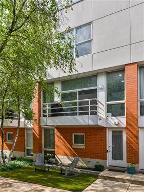 2946 N Wood Unit D, Chicago, IL 60657