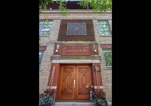2241 N Leavitt, Chicago, IL 60647