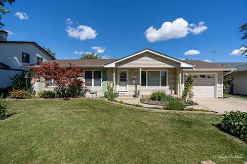 572 Exmoor, Elk Grove Village, IL 60007