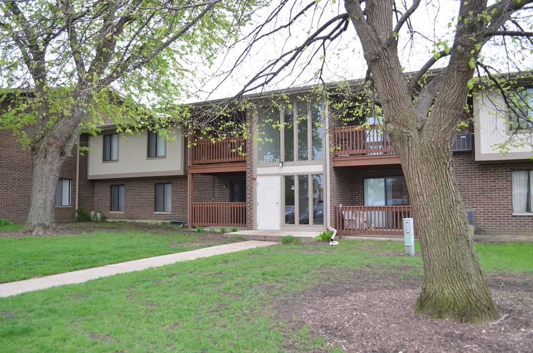 605 Garden, Unit 3, Streamwood, IL 60107