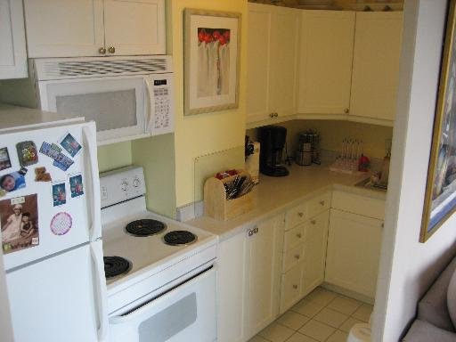 2400 N Lakeview Floor Plans: 2400 N Lakeview Ave, Unit 811, Chicago, 60614