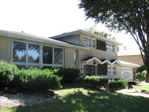 10600 S Lawler, Oak Lawn, IL 60453