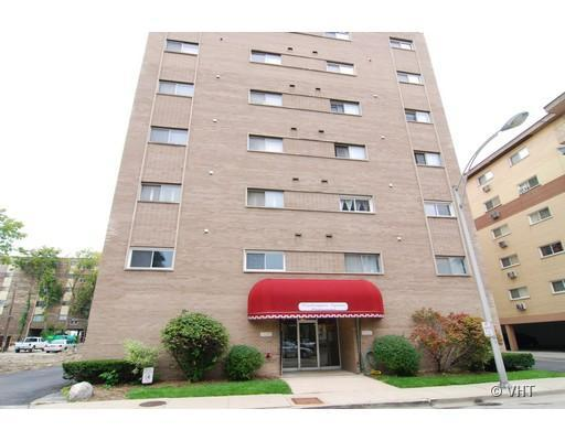 7449 Washington Unit 107, Forest Park, IL 60130