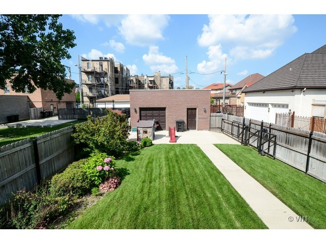 3956 S Ellis, Chicago, IL 60653