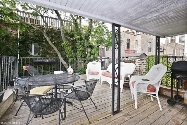 422 W Roslyn, Chicago, IL 60614